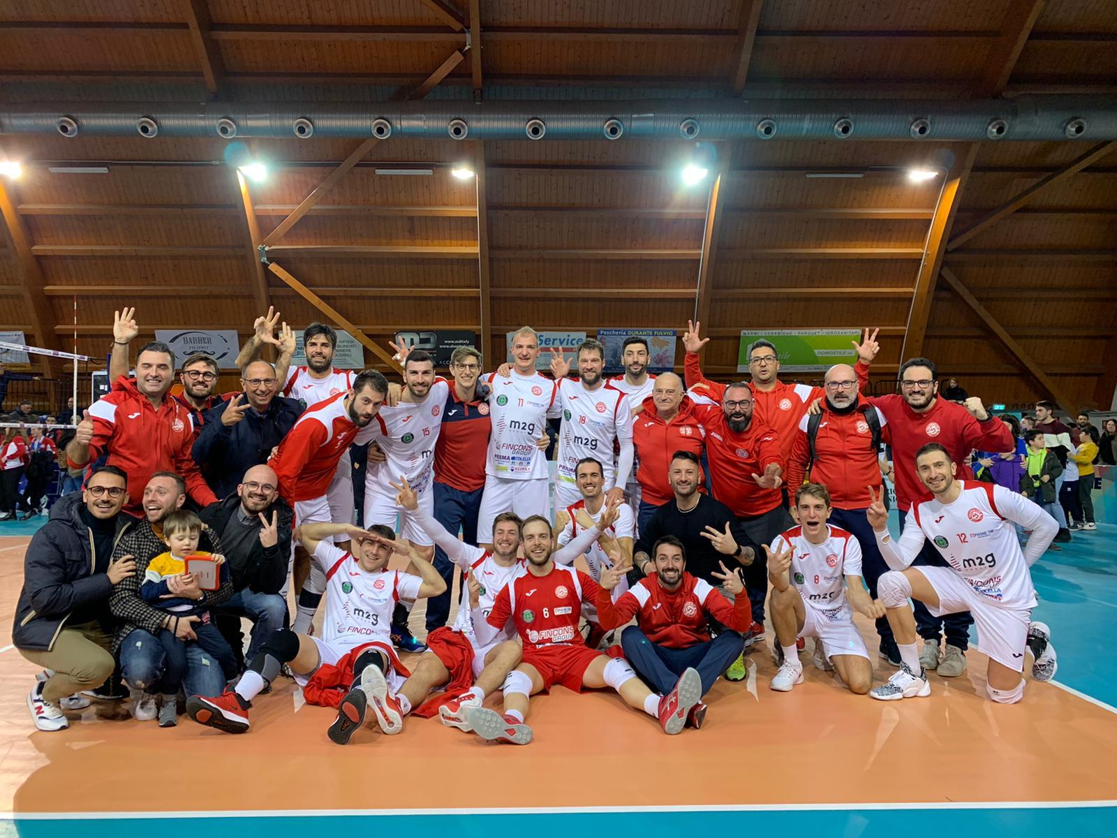 La M2G Group Bari realizza l'impresa a Pineto e si prende la vetta del girone E